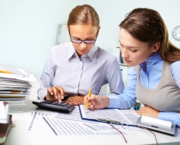 Importancia de la calidad y credibilidad de las firmas de contadores públicos